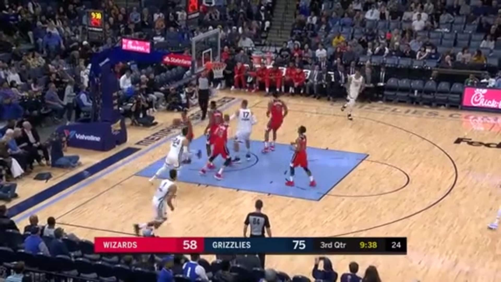 Brooks with the smooth floater