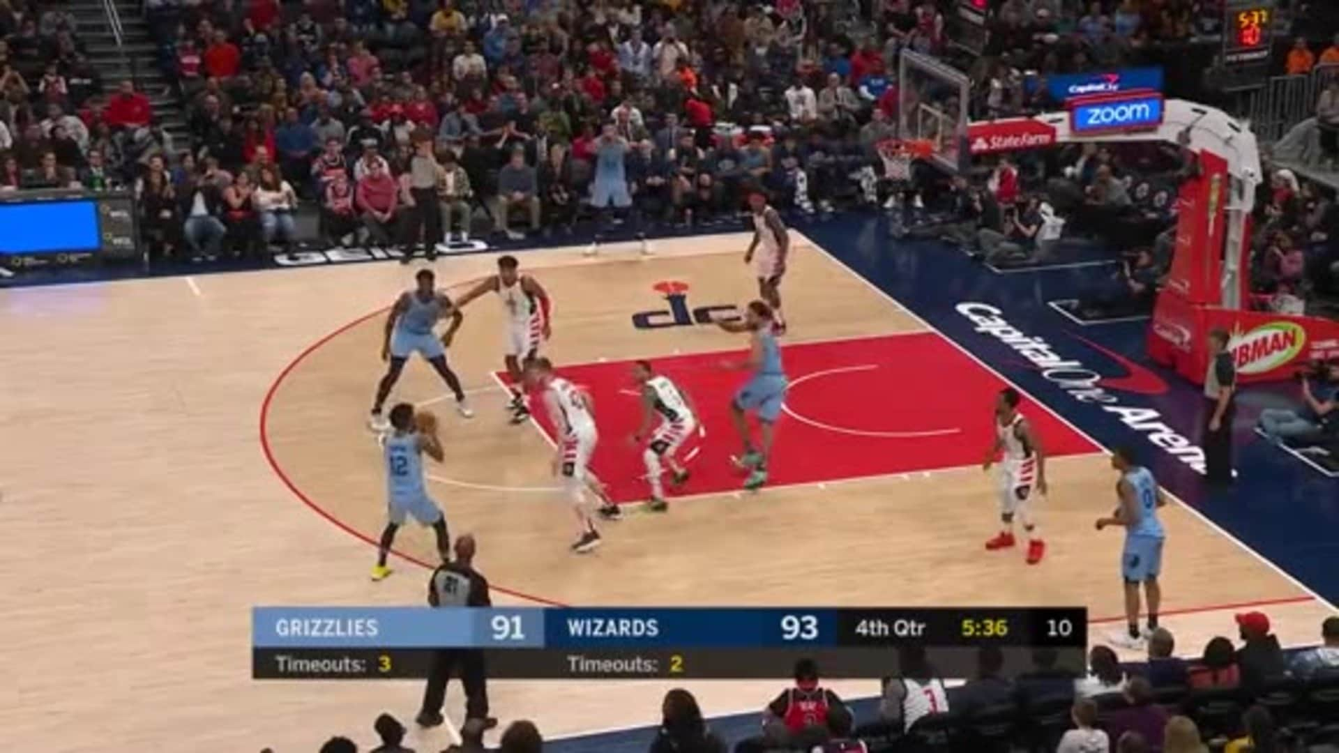 Ja Morant throws a bullet at Kyle Anderson