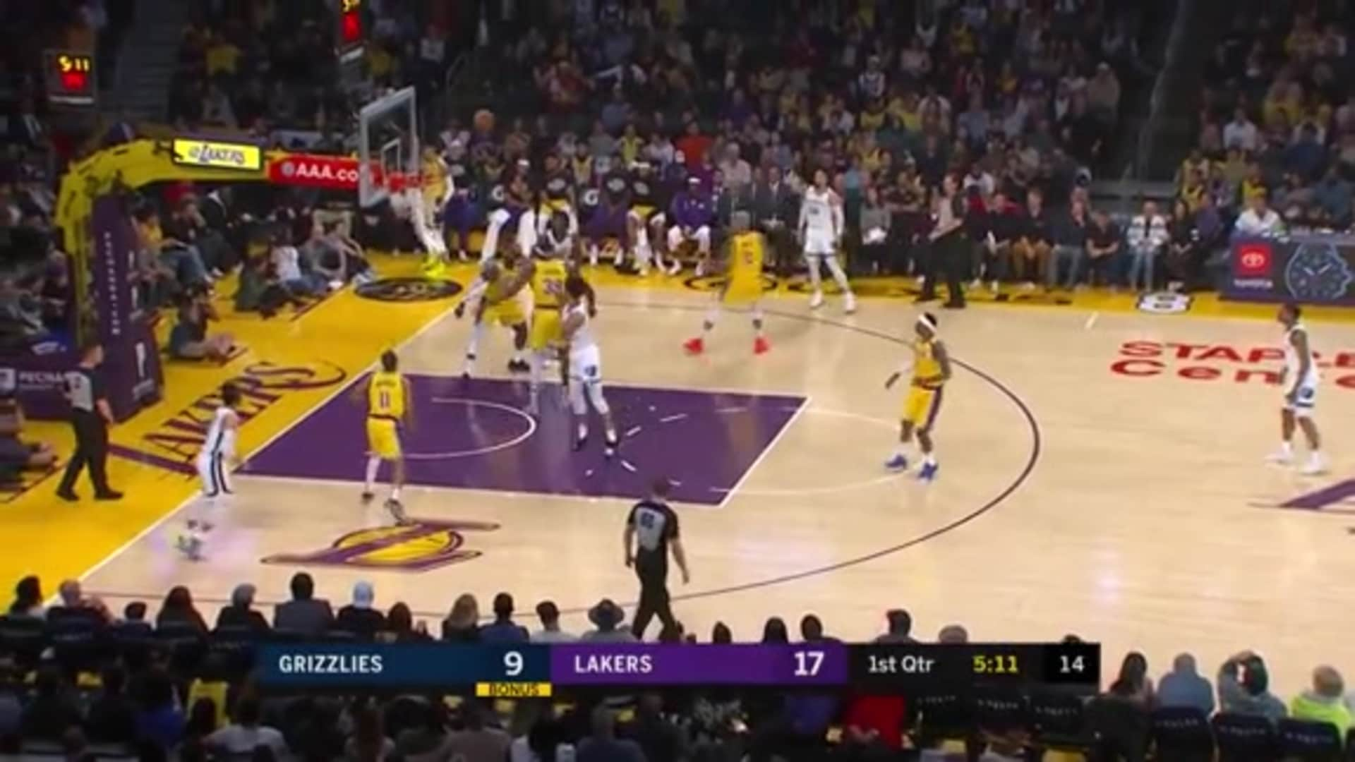 Brandon Clarke with the smooth floater
