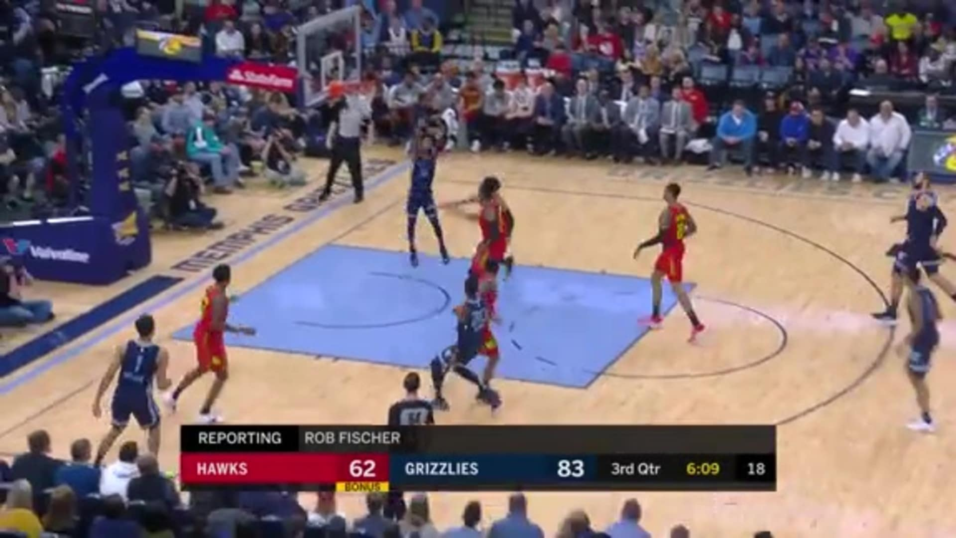 Ja Morant skies high for the alley-oop