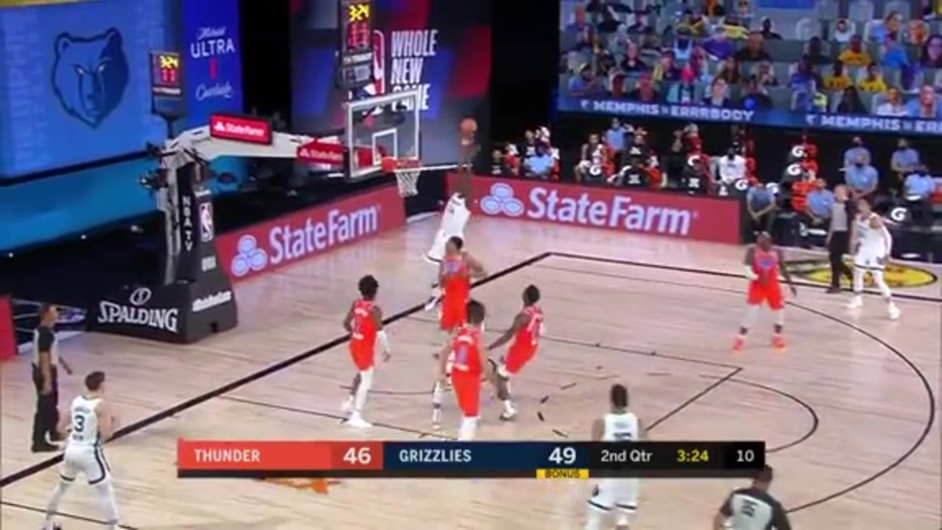 Ja Morant lobs it up to Gorgui Dieng