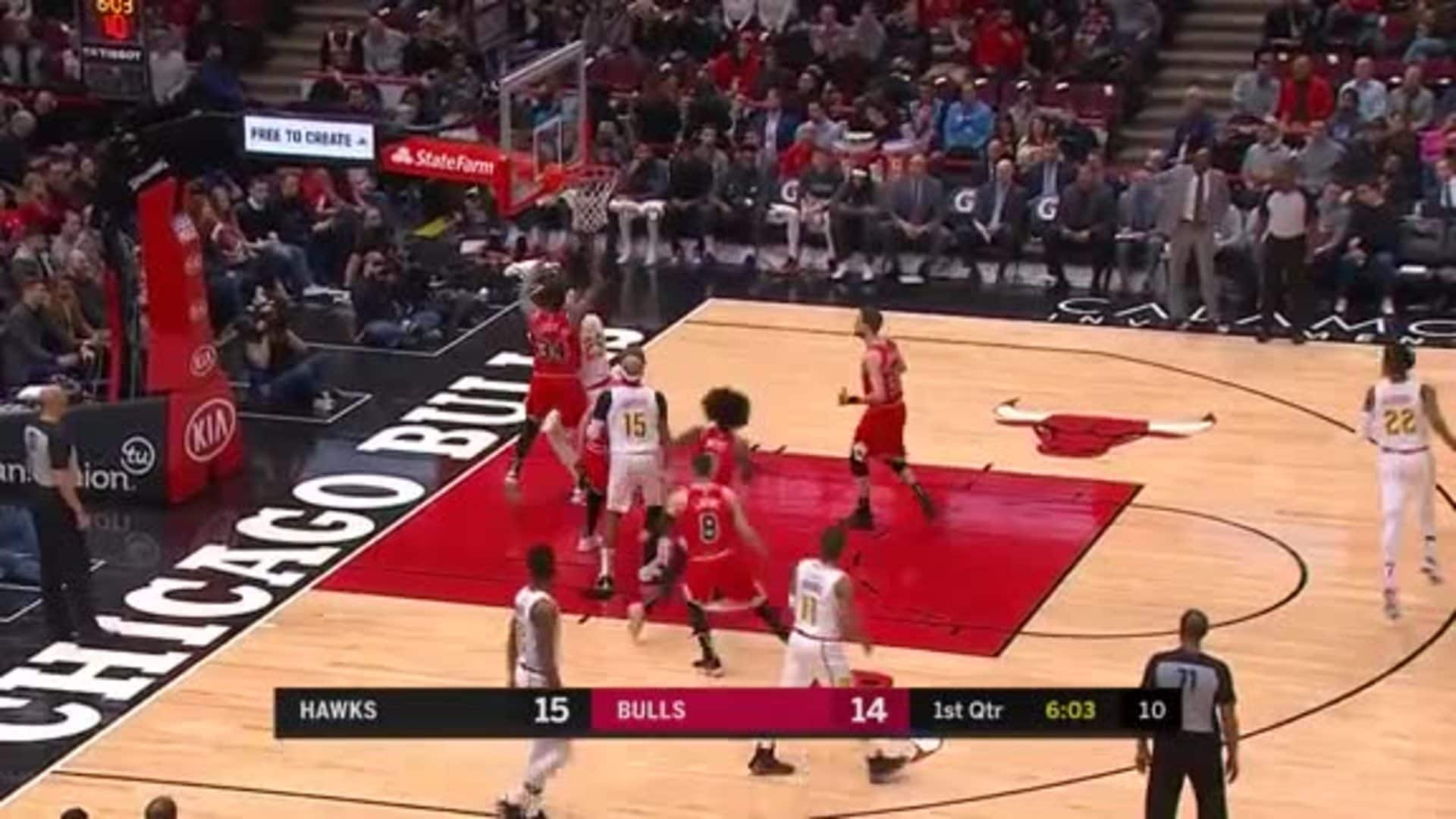 Len Drops 17 Points in Chicago