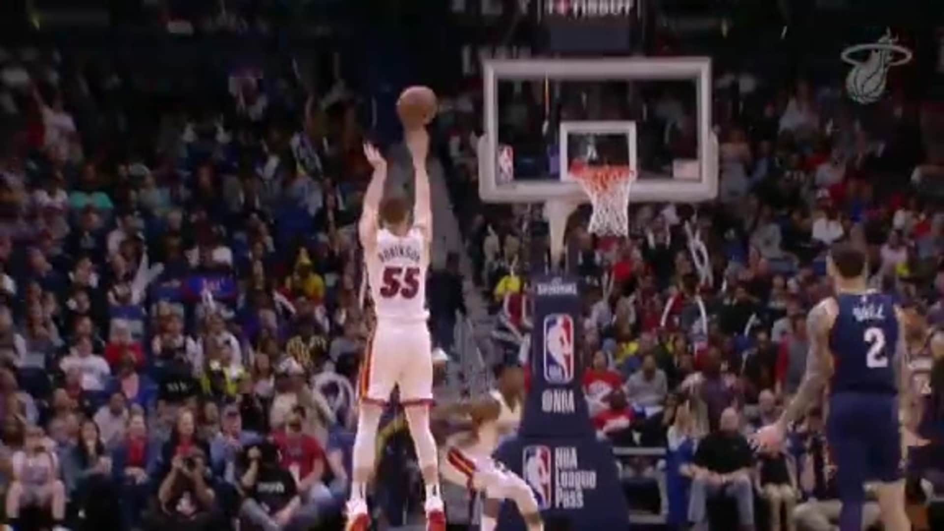 Robinson Hits 8 3's In New Orleans