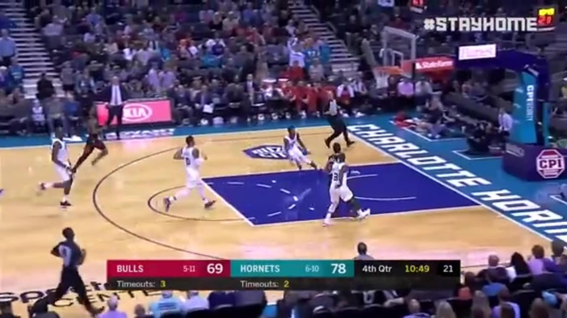 Give It Up for Hornets Alley-Oops