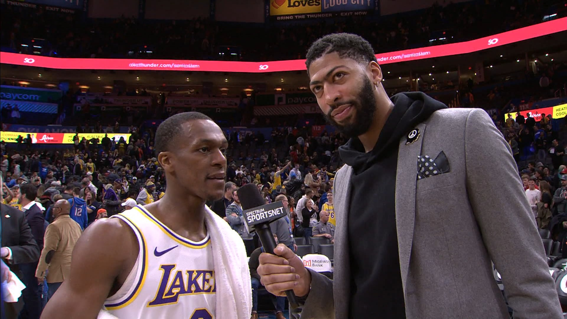 Anthony Davis Interviews Rajon Rondo | Lakers Postgame (1/11/20)