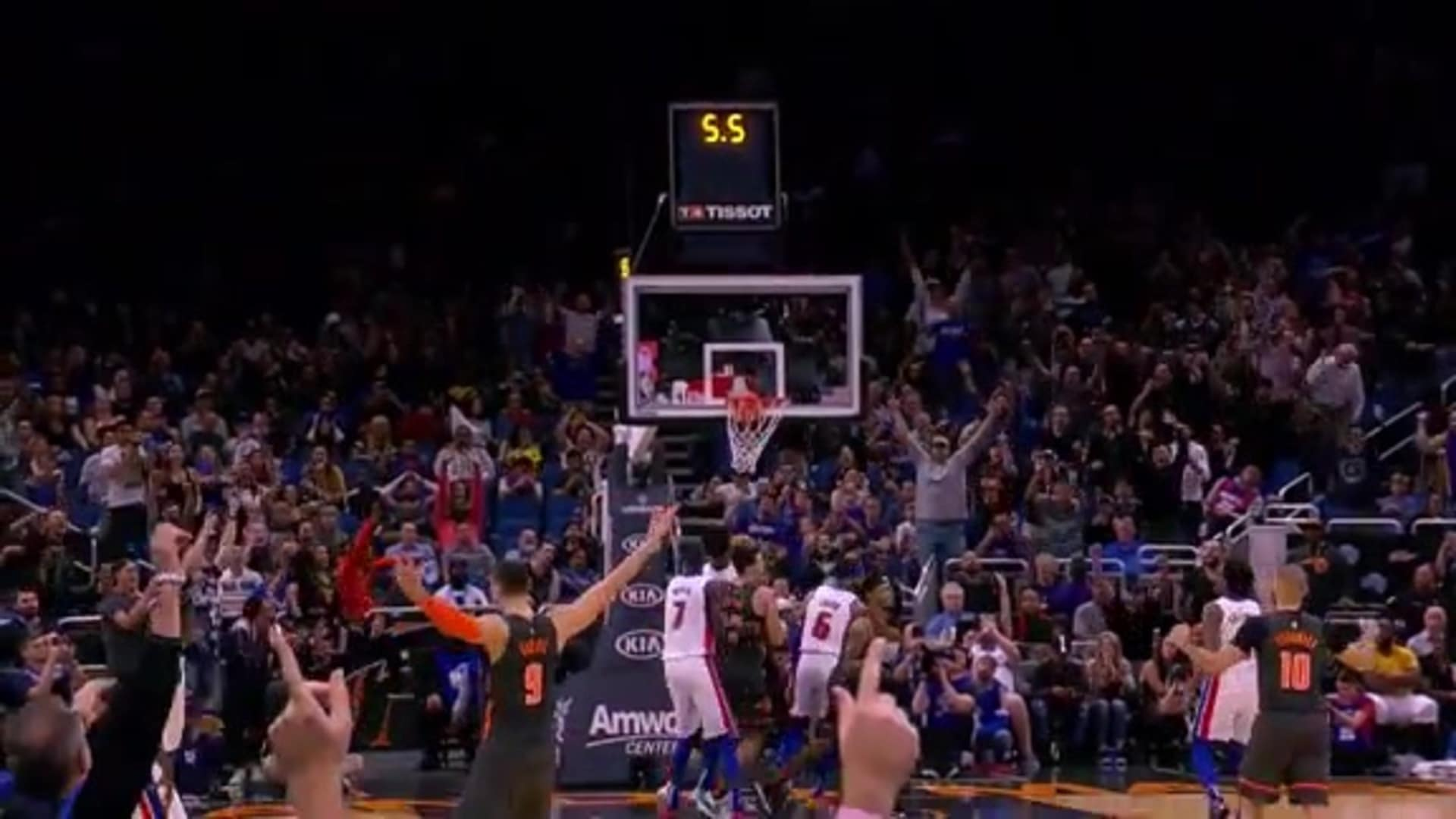 Vucevic's Clutch Triple vs. Pistons