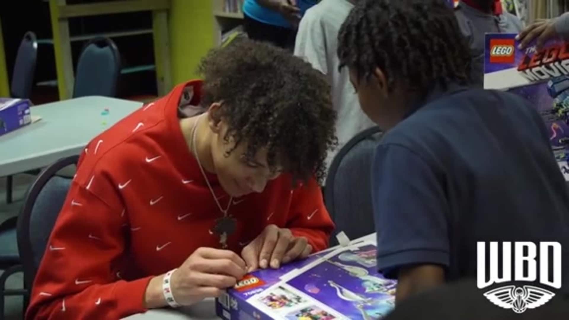 Pelicans center Jaxson Hayes delivers Legos to children