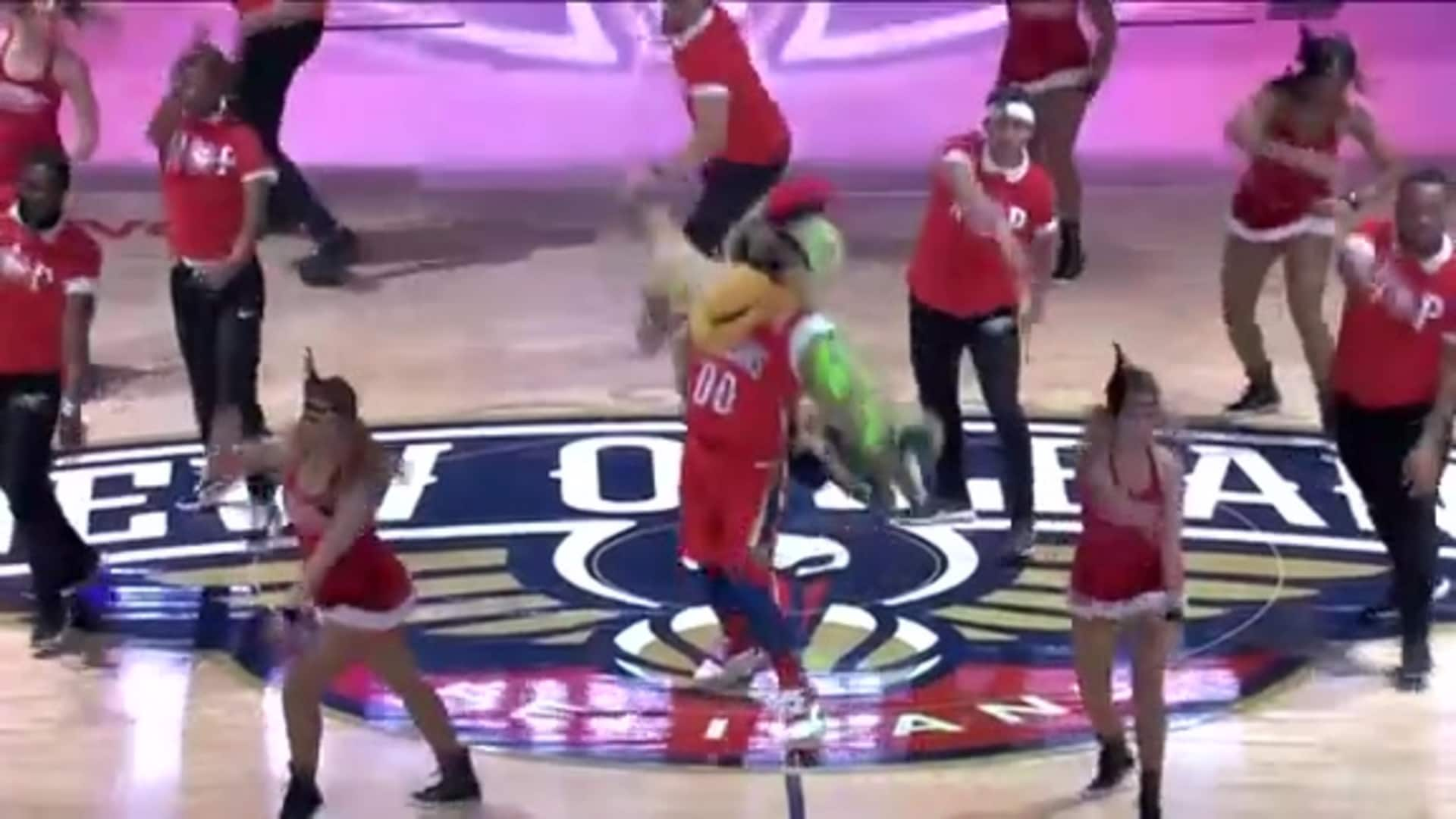 Entertainment: Pelicans Dance Team 3rd quarter performance - December 17 vs. Brooklyn Nets