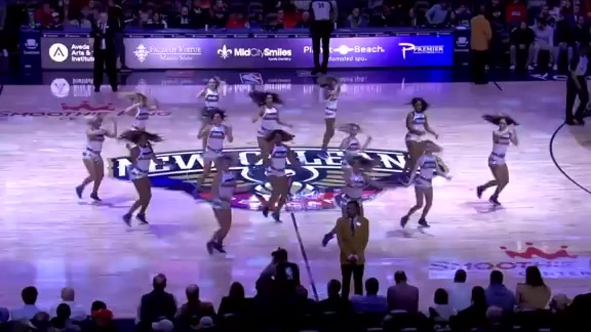 Entertainment: Pelicans Dance Team 2nd quarter performance - January 8 vs. Chicago Bulls