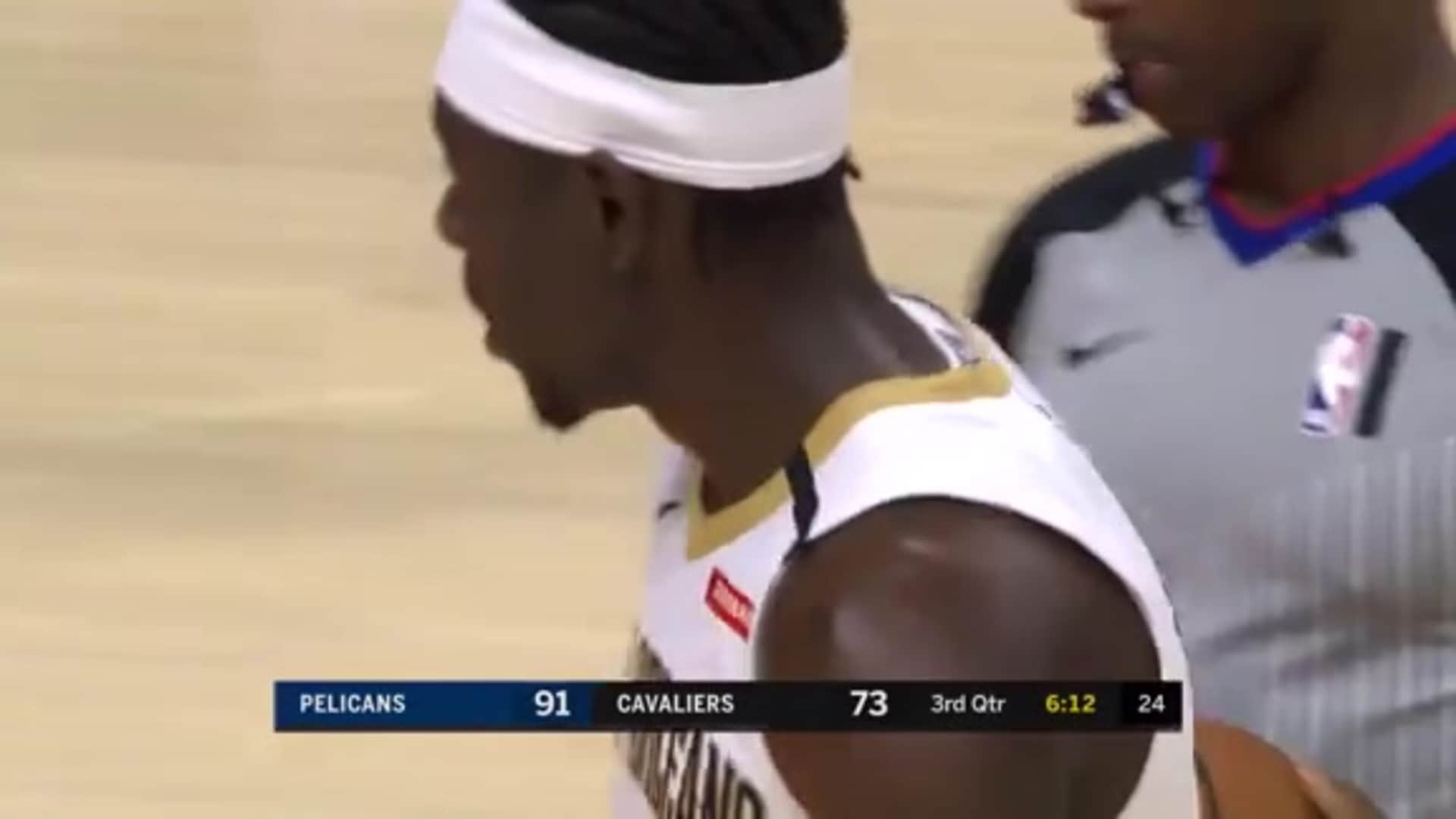 Jrue Holiday all over the court in the 3rd | Pelicans-Cavs Highlights