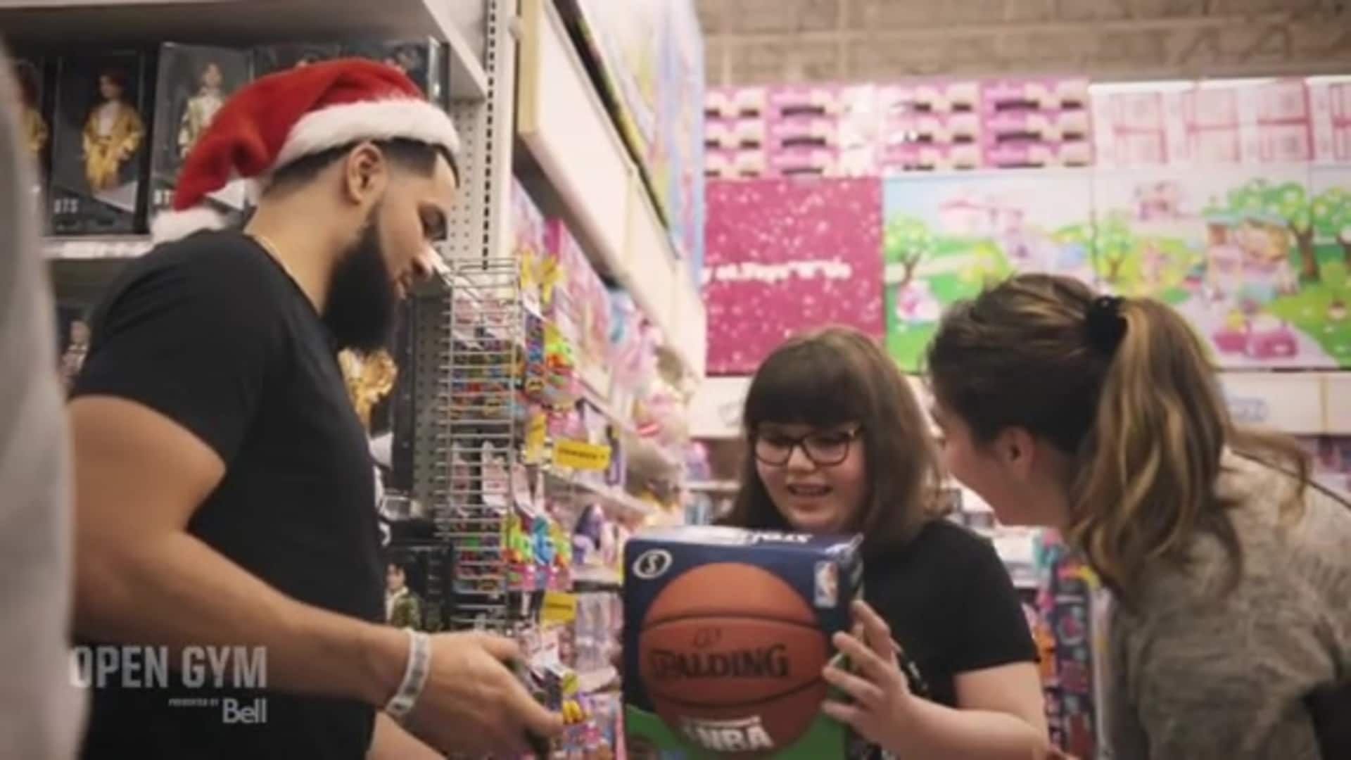 Fred VanVleet Spreads Holiday Cheer | Open Gym presented by Bell: OGS08E08
