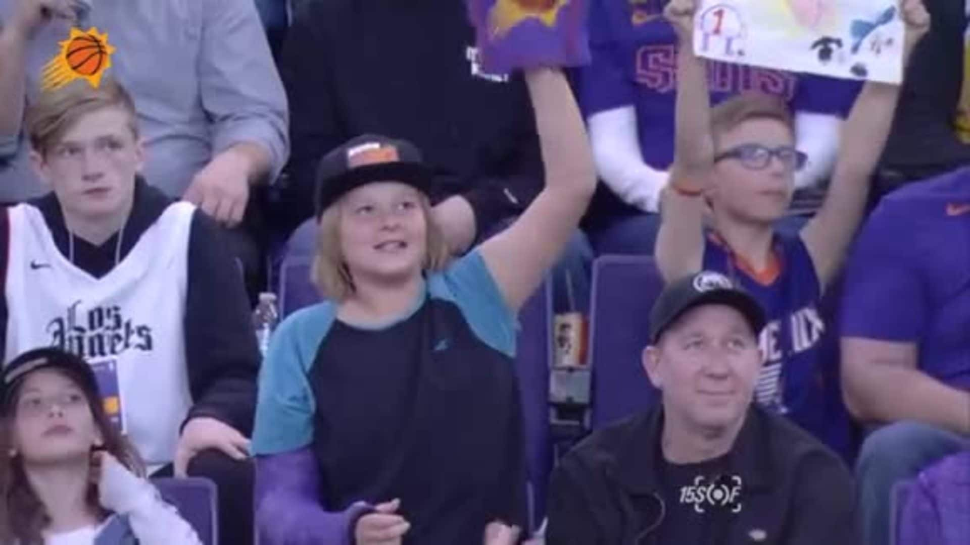 15SOF | Fan with a Broken Arm and a Foam Finger