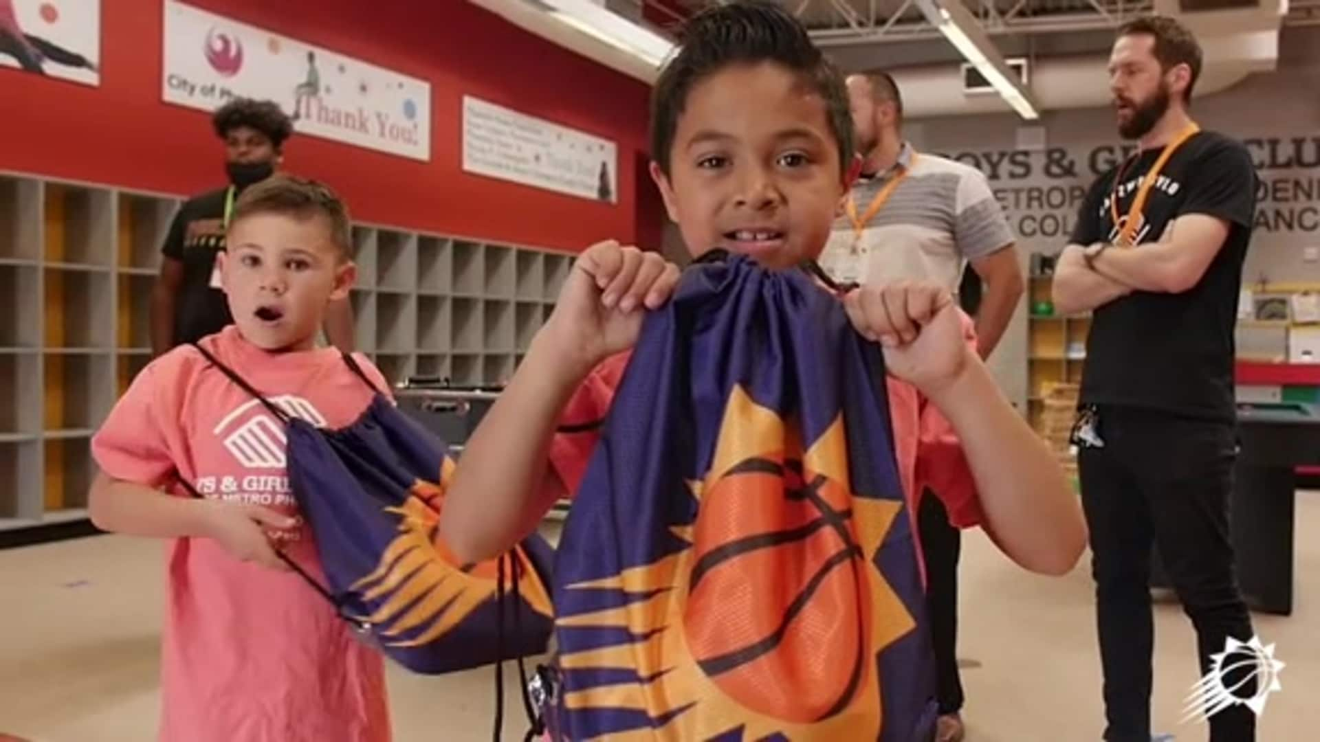 Phoenix Suns & Carl's Jr. Team Up To Feed Those In Need Across The Valley