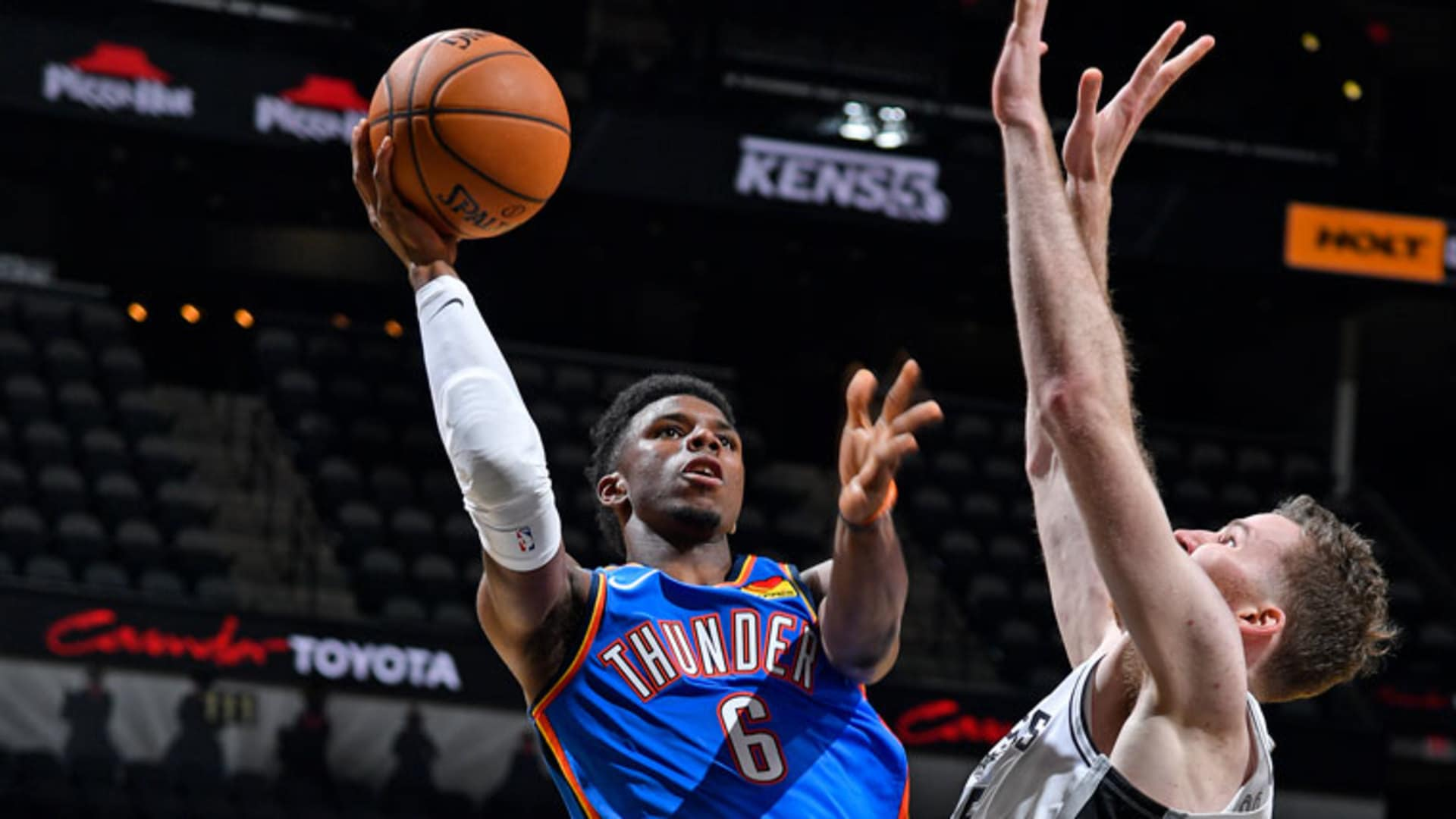 Highlights: Thunder 121, Spurs 108