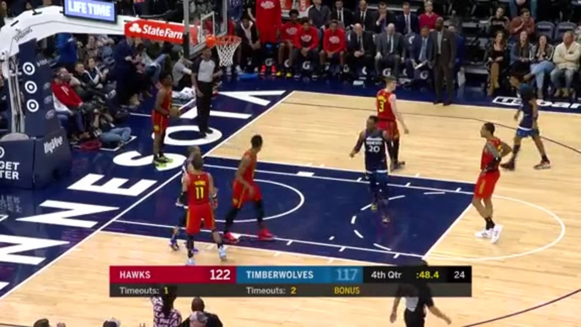McLaughlin Finds Okogie For The Dunk