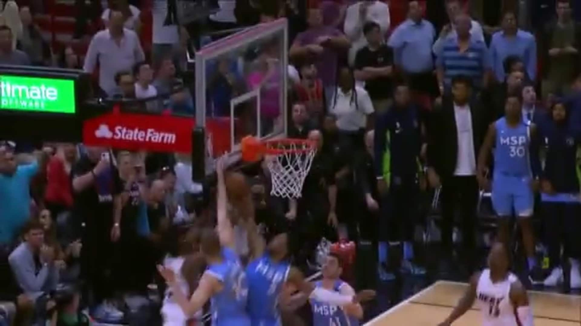 D'Angelo Russell Blocks Jimmy Butler To Seal Win For Timberwolves (2.26.20)