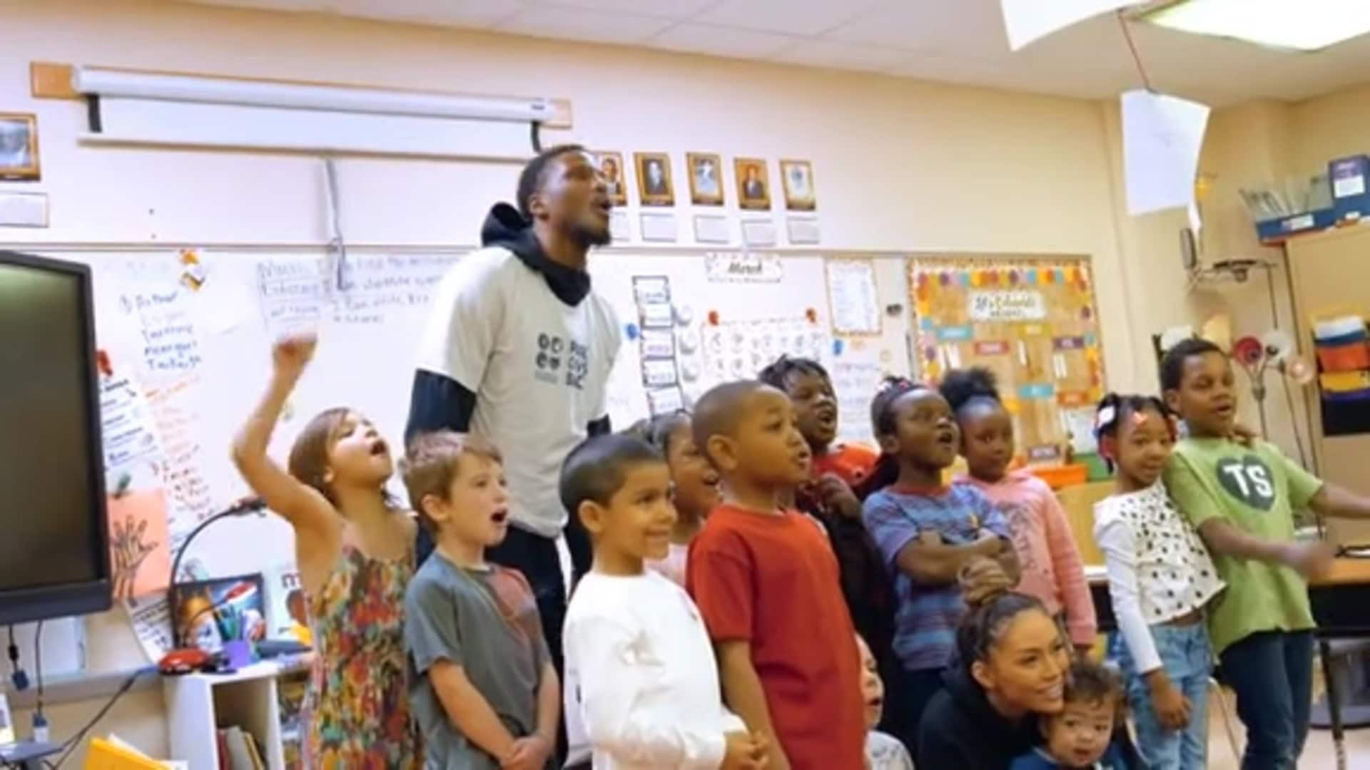 Timberwolves, Lynx And T-Wolves Gaming Reads To Students To Celebrate International Women's Day