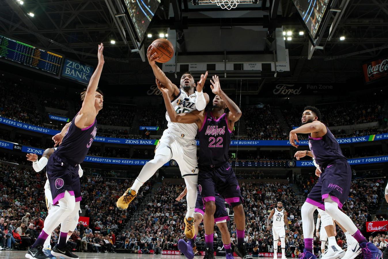 811da7f4 The Roundup—Jazz come alive late, run away from Wolves | Utah Jazz