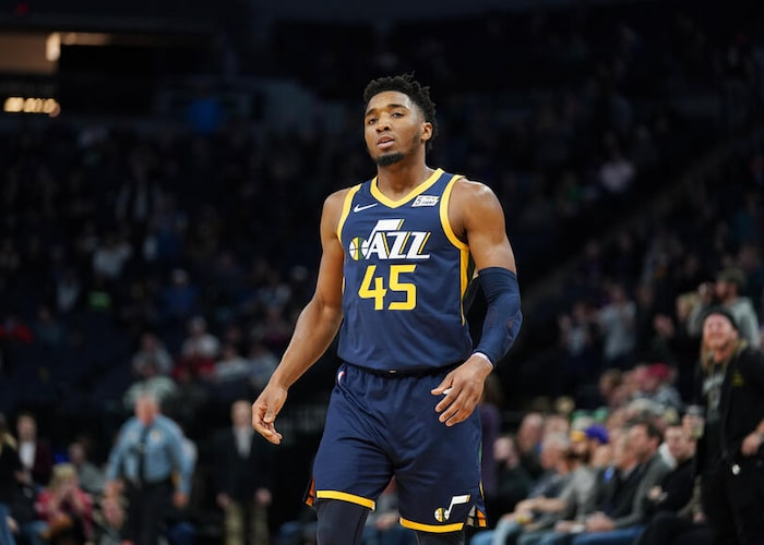 Donovan Mitchell thanks court-side heckler after scoring 26 points in a win over the Timberwolves