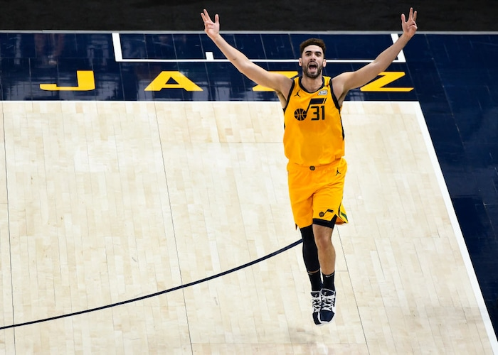 Georges Niang knocks down seven 3s to help Utah Jazz rally past Charlotte