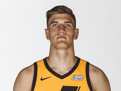 Jazz Sign Isaac Haas and Mike Scott