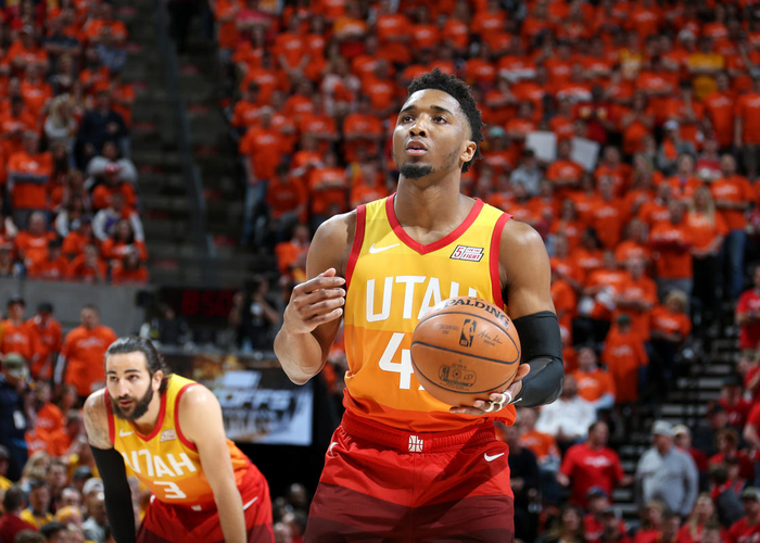 Kyle Korver offers words of encouragement for Donovan Mitchell after the Utah Jazz's tough Game 3 loss