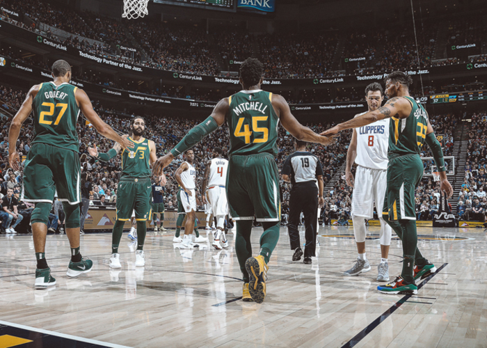 cc90698f4af Mitchell scores 32 to help Jazz past Clippers