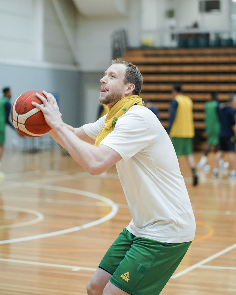 Joe Ingles named to Aussie Boomers' 12-man World Cup roster | Utah Jazz