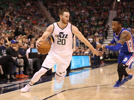 Photos: Jazz 100, 76ers 83