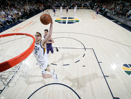 The Roundup—Booker scores 59, Jazz still win by 33