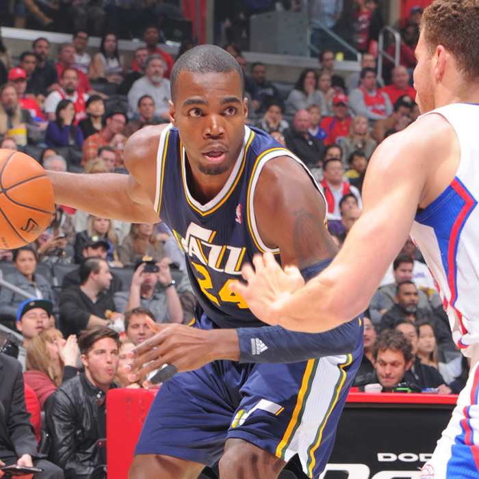 Jazz 94, Clippers 107
