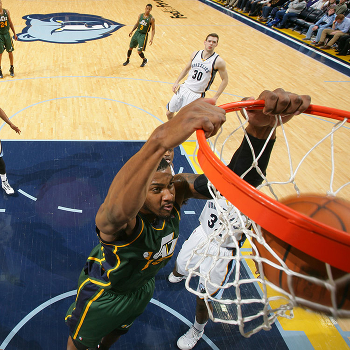 Jazz 94, Grizzlies 104