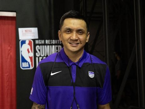 Jimmy Alapag: From Philippines Star to Sacramento's Sidelines