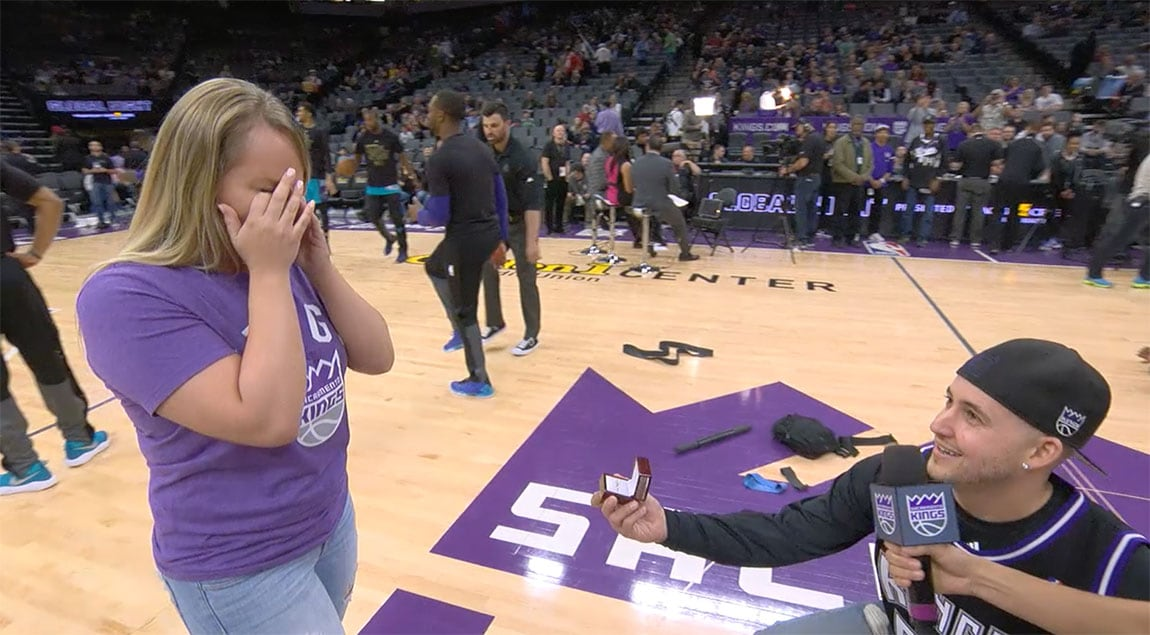 Kings Fan Proposes at Golden 1 Center