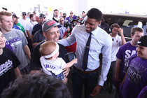 Fans Show Support For Rudy Gay
