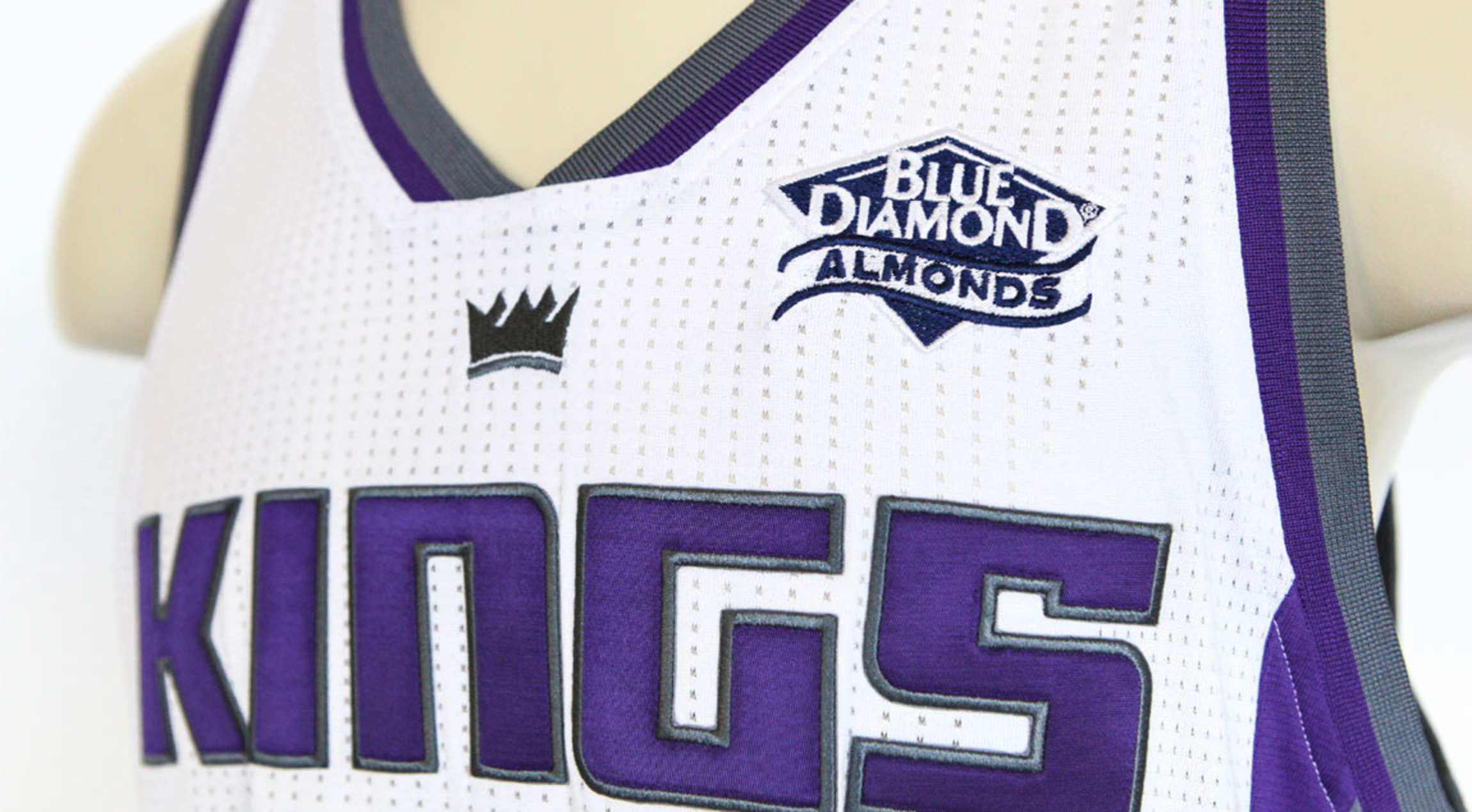 The other two are the 76ers (who ve inked a deal with StubHub) and the  Kings (who ve sold out their jersey ... 66bf1dd48