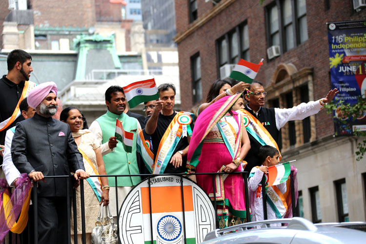 Vivek & Sim Lead India Day Parade