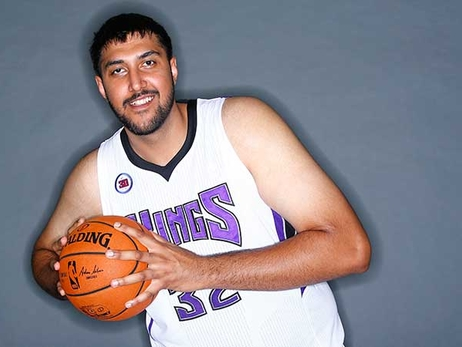 Kings Sign Sim Bhullar to a 10-Day Contract