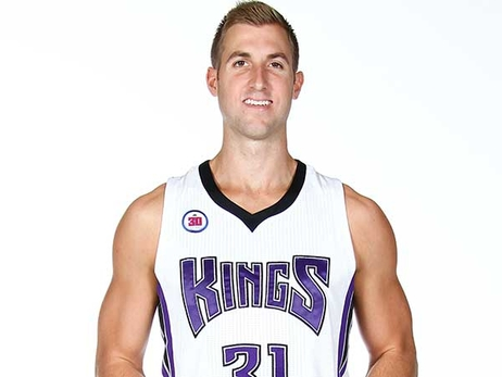 Kings Sign David Wear to a 10-Day Contract