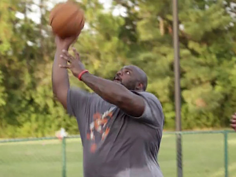 Vince Wilfork Channels His Inner Vlade Divac