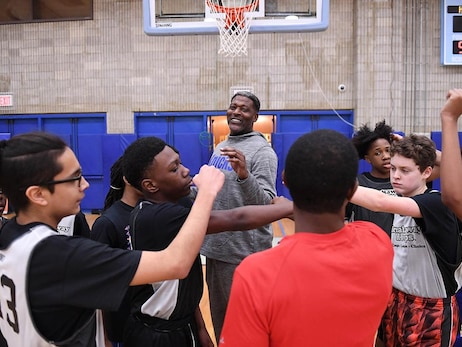 Breakaway Hoops MLK Clinic Powered by the Junior Knicks & Knicks Alumni Larry Johnson