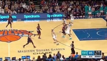 Knicks Highlights: Kevin Knox records historic double-double vs. Hornets