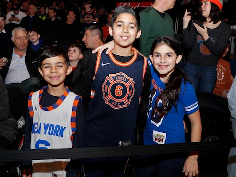 Theme Night Photos: Noche Latina, March 15 vs. Sixers