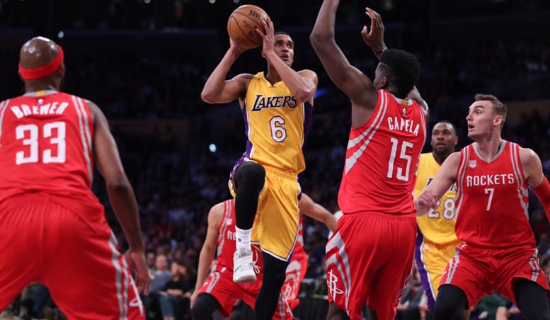Lakers Start Season With Shootout Win Over Rockets