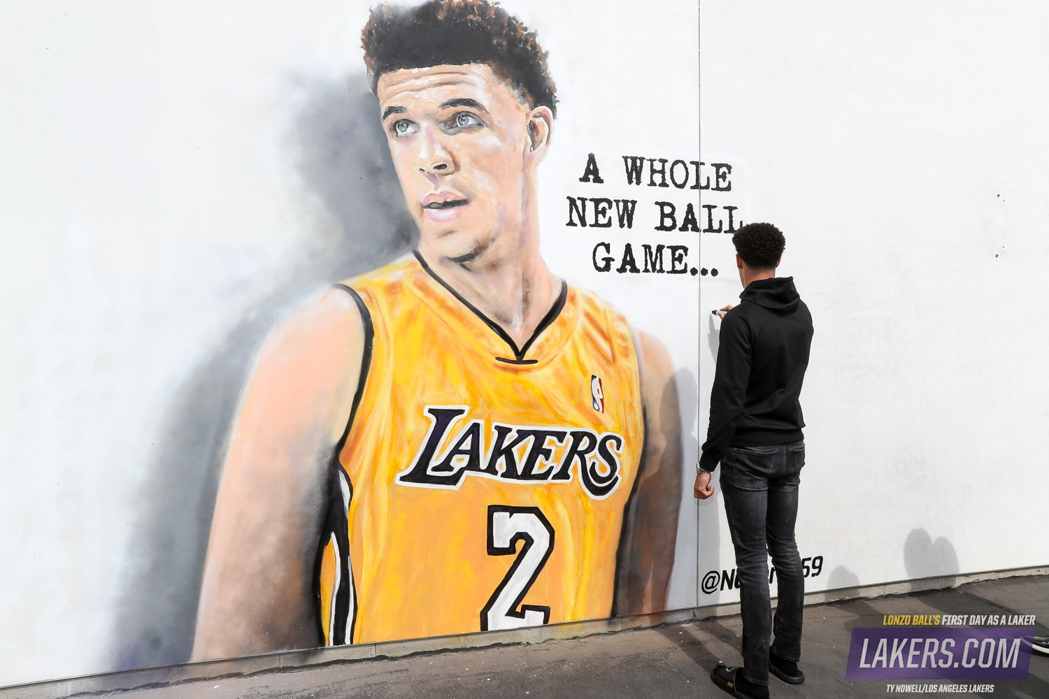 A Day in Photos: Lonzo's First Day as a Laker | Los ...