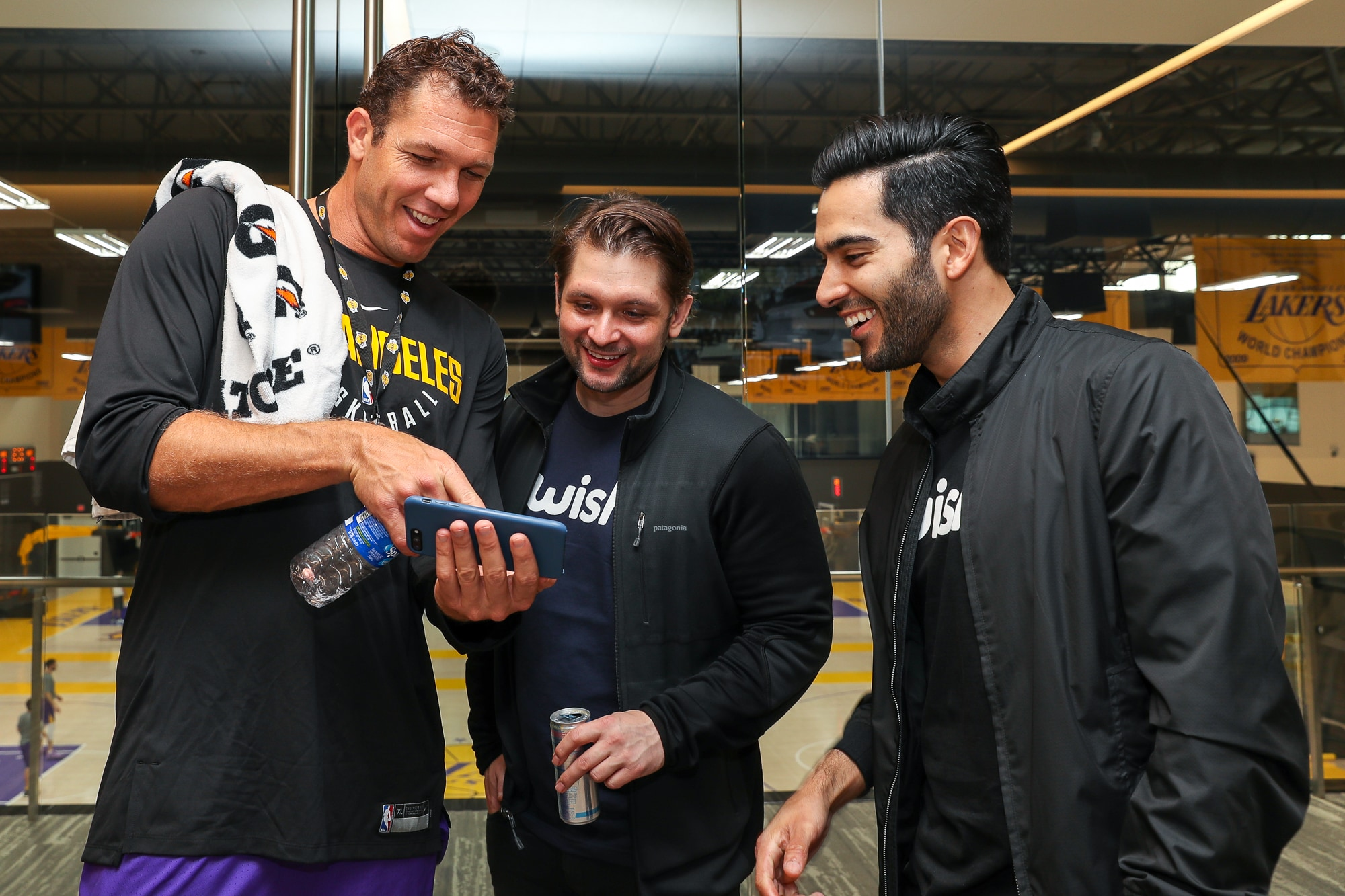 Lakers Partner With Wish | Los Angeles Lakers