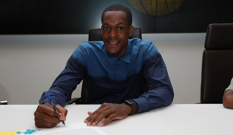 Rajon Rondo signs with the Lakers