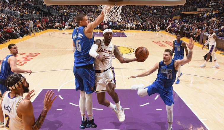 Lakers Recover Defensive Mojo In Win Against Mavs Los
