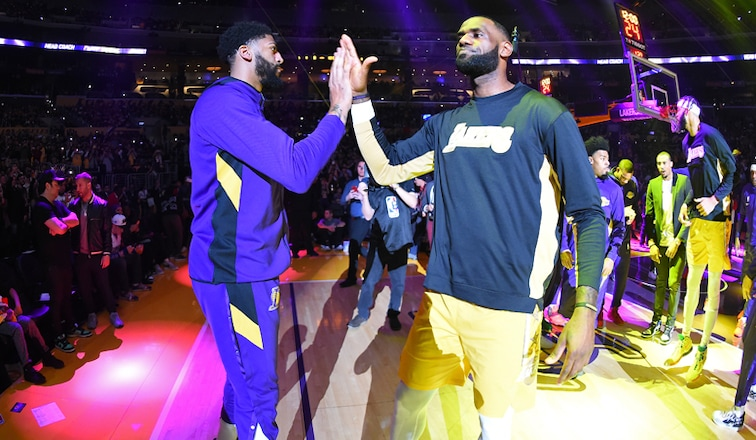 Lakers Complete 2019 In Strong Position Los Angeles Lakers