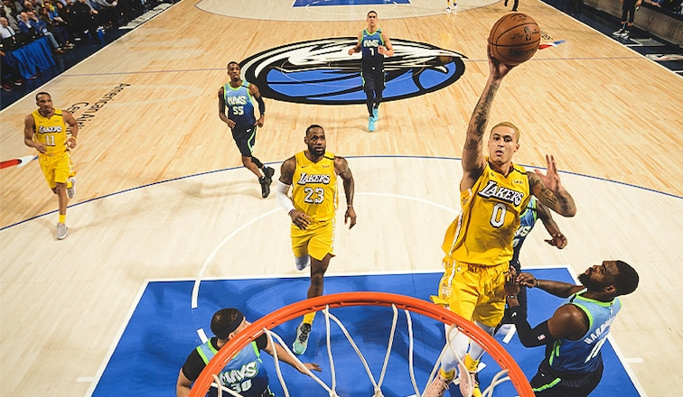 Lakers Rise To The Challenge Rout Mavs And Win 7th Straight